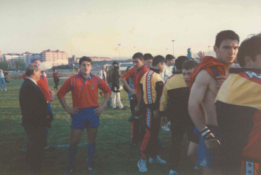 Rubí posa con la camiseta de España
